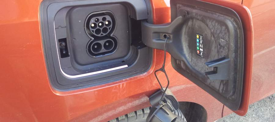 bmwi3_chargeport
