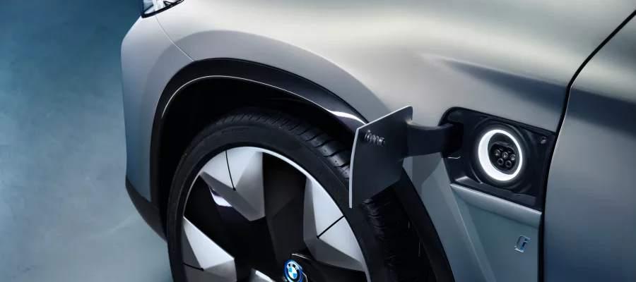 BMWiX3_laddlucka