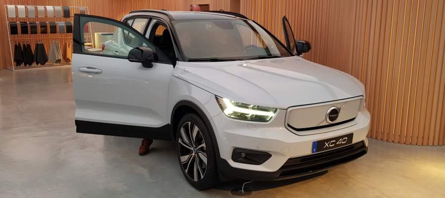 Volvo_XC40_1