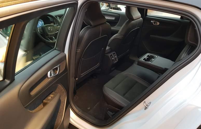 Volvo_XC40_7