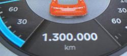 1300000